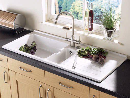 Інтегрована раковина на кухні