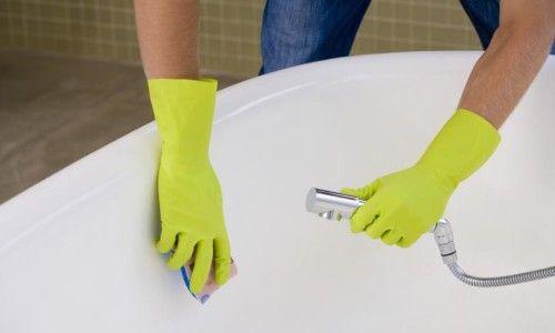 Фото - Як правильно почистити ванну в домашніх умовах