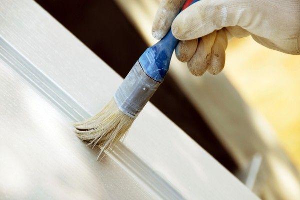 Фото - Як правильно пофарбувати дерев'яну двері самостійно?