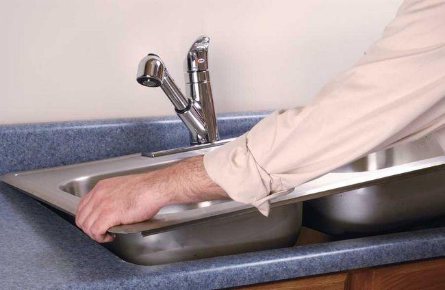 Фото - Як правильно встановити врізну мийку на кухні?