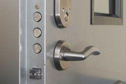Запірний механізм двері