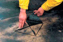 Заплаточний ремонт даху гаража