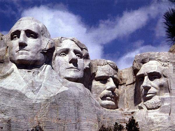 Найдовговічнішими зі скульптур вважаються скульптури з граніту.