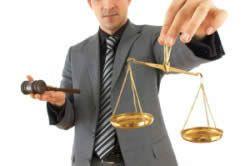 Визнати банкрутом може тільки арбітражний суд.
