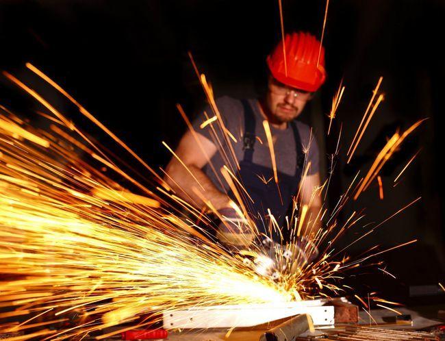 Фото - Як за допомогою болгарки різати метал