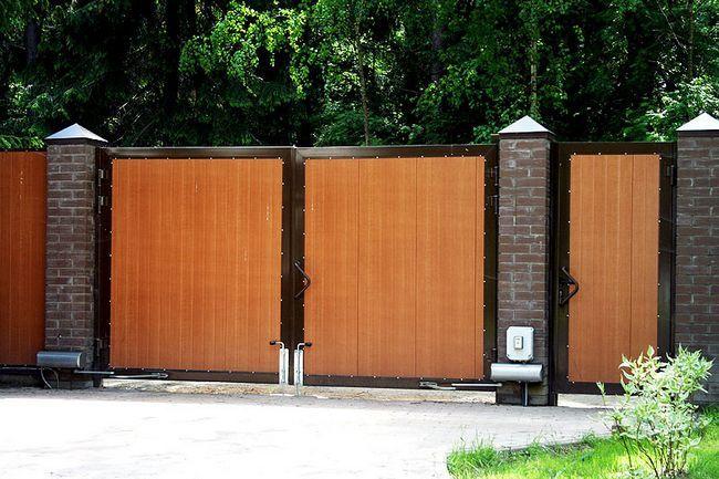Фото - Як самостійно встановити ворота і хвіртку?