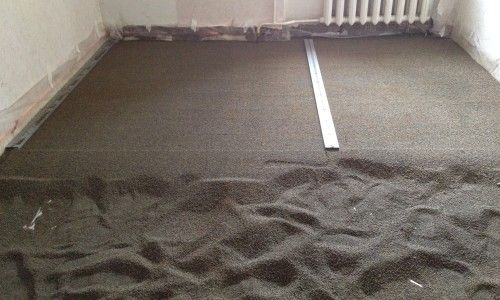 Фото - Як зробити стяжку підлоги з керамзитом: секрети укладання міцного і рівного статі