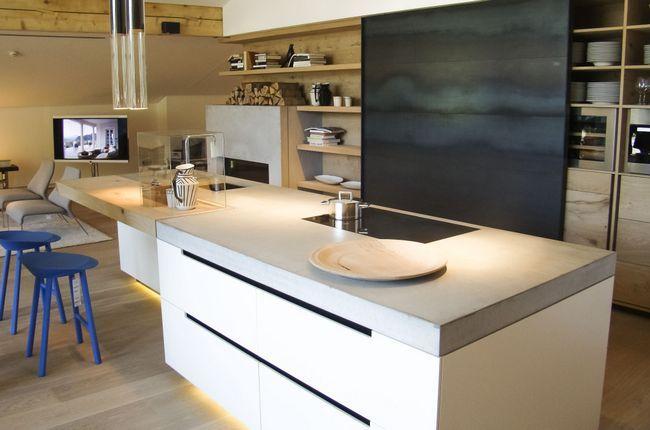 Стільниця з бетону на кухні