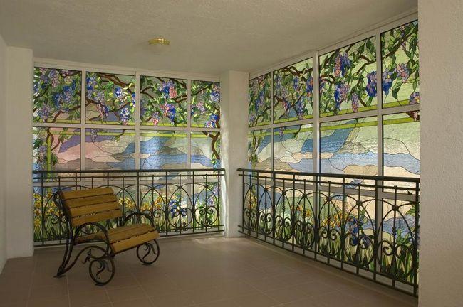 Фото - Як зробити вітражні вікна своїми руками?