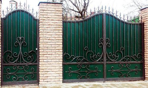 Фото - Як зробити ворота ковані своїми руками?