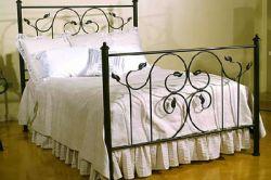 Ковані ліжко в інтерєрі