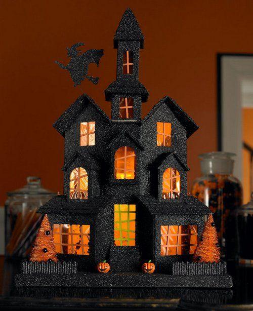 Декорація замок для Хеллоуїна