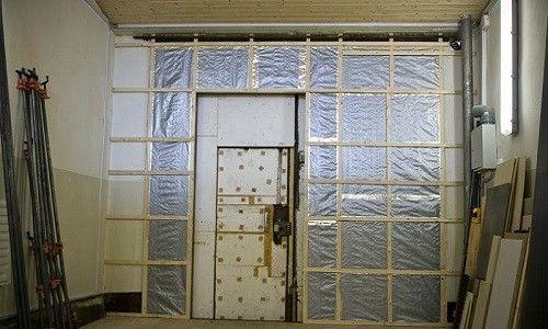 Фото - Як утеплити ворота в гаражі