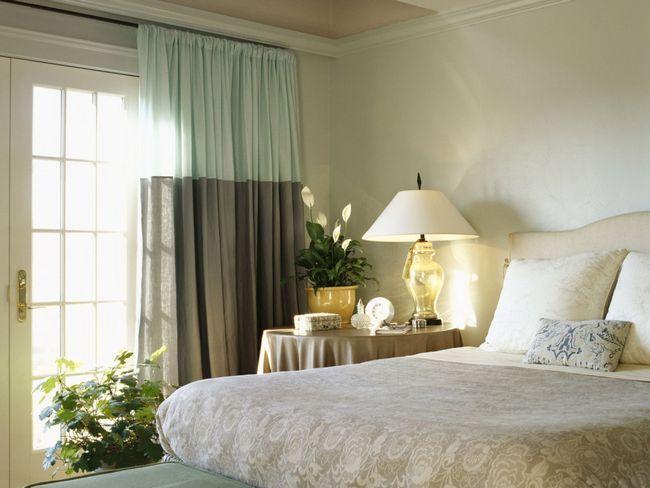 Фото - Як вибрати відповідні під шпалери штори?