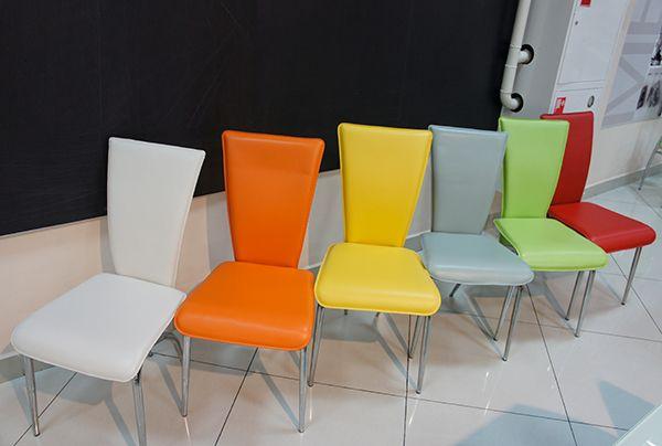 асортимент стільців