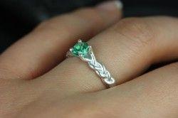 Срібний перстень з зеленим топазом