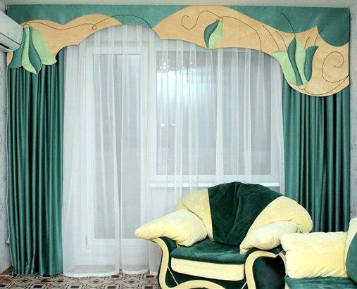 Приклад декору вікна за допомогою ламбрекену