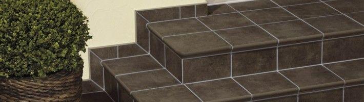 Фото - Як виконати облицювання сходів плиткою?