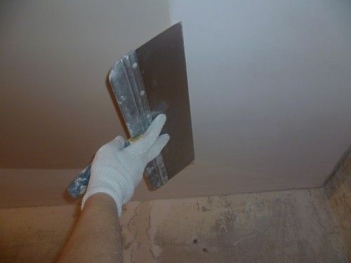 Фото - Як виконати підготовку стелі під фарбування?