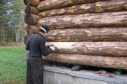 Шліфування стін зрубу деревяного