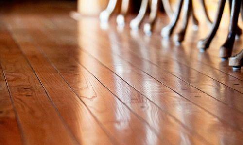 Фото - Як виконати ремонт дерев'яної підлоги своїми руками?