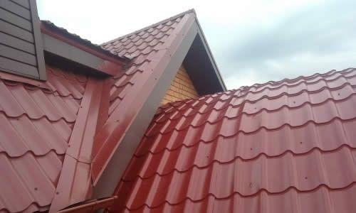 Фото - Як виконати ремонт залізного даху
