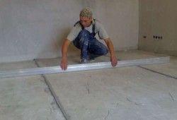 Фото - Як вирівняти бетонну підлогу під ламінат початківцю майстру?