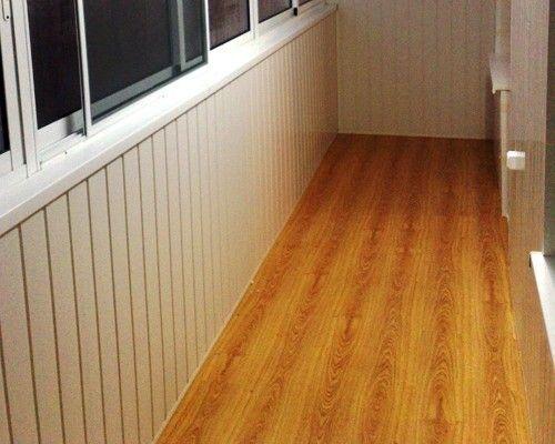 Фото - Як вирівняти підлогу на балконі: рекомендації