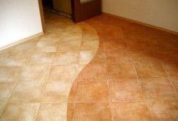Фото - Як зонувати простір, використовуючи комбіновані підлоги в прихожей?