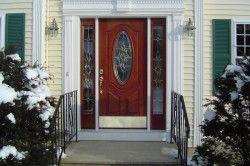 Зовнішня обробка металевих дверей