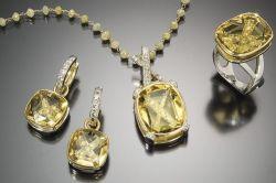 Фото - Якими властивостями володіє камінь геліодор?