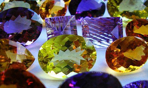 Фото - Якими властивостями володіють дорогоцінні камені?