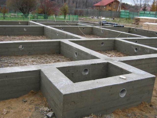 Фото - Розрахунок і зведення стрічкового фундаменту