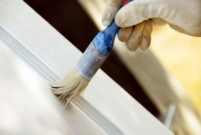 Фото - Який фарбою краще фарбувати двері своїми руками?