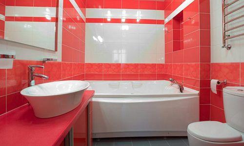 Фото - Який може бути дизайн у суміщеної з туалетом ванної кімнати?