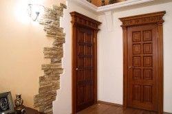 Міжкімнатні двері з натурального дерева