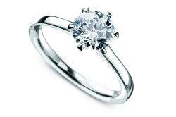 Срібний перстень з алмазом