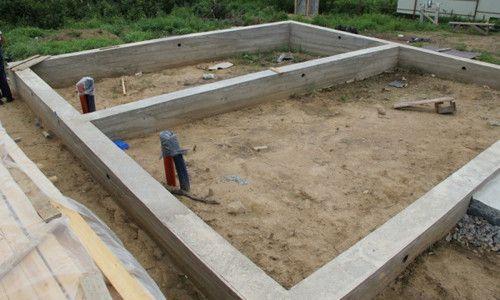 Фото - Каркасний будинок: будівництво фундаменту