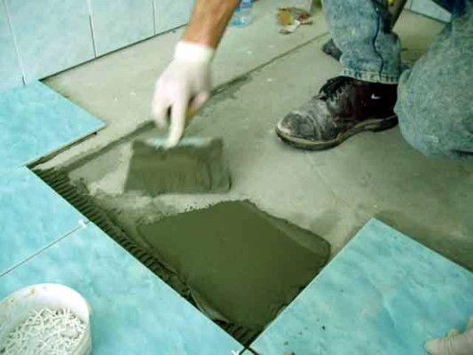 кладка кахлю на підлогу