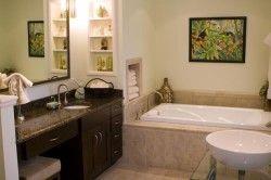 Меблі в класичною ванною