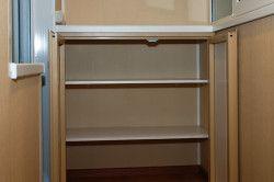 Важливо враховувати висоту полиць комода, виходити треба з речей які збираєтеся в ньому зберігати.