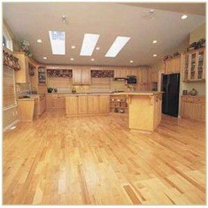 Фото - Фарба для дерев'яної підлоги: чим пофарбувати дерев'яну підлогу?