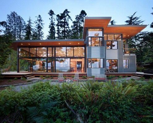 Великий будинок з плоским дахом
