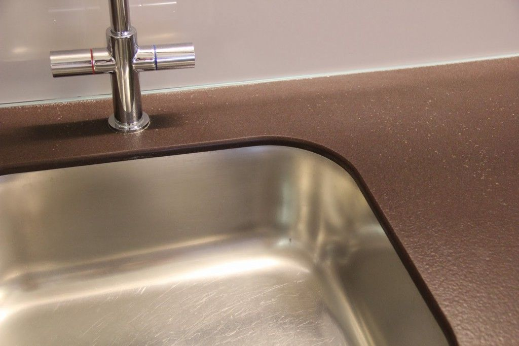 Фото - Кріплення мийки до стільниці