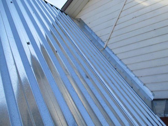 Фото - Дахи з оцинкованої покрівельної сталі: пристрій, догляд, ремонт