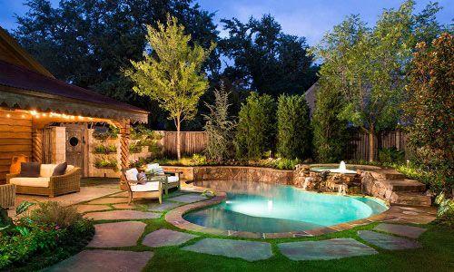 Фото - Ландшафтний дизайн басейну біля заміського будинку