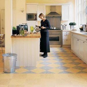 Фото - Лінолеум для кухні стійкий до механічних впливів