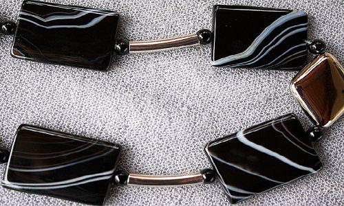 Фото - Магічний камінь чорний агат