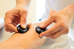 Китайський масаж гладкими камінням