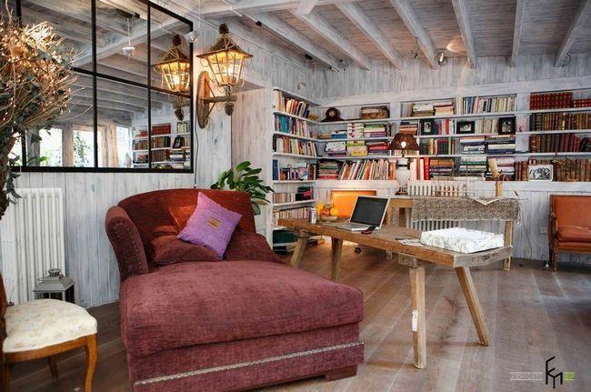 Бібліотека в вітальні